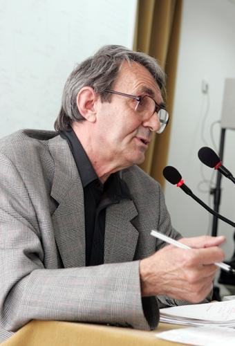Romulus Rusan, directorul Centrului de Studii, prezentând Memorialul Sighet la Washington