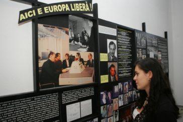 Muzeul Sighet: Sala 80 – Libertatea pe calea undelor
