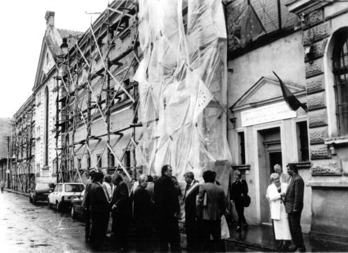 Clădirea fostei închisori din Sighet în timpul lucrărilor de transformare a ei în Memorialul Victimelor Comunismului şi al Rezistenţei