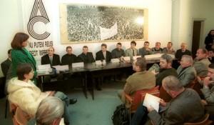 Participanţi la masa rotundă