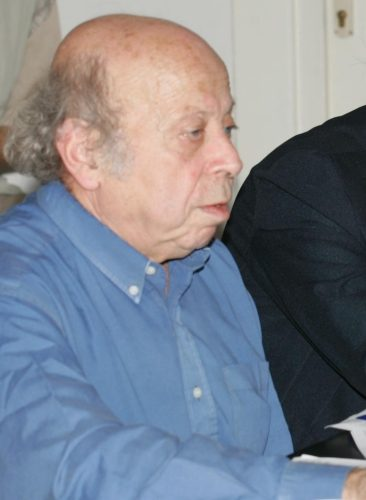 Profesorul Pierre Hassner conferențiind la Școala de Vară de la Sighet