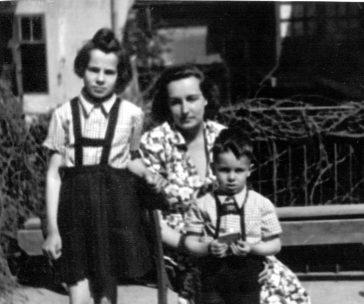 Carmen, Adriana și Alexandru Bologa