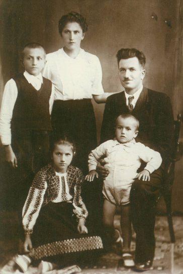 Familia Nestor Gogoncea