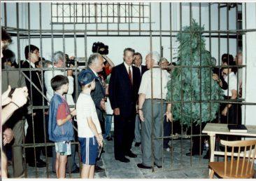 MS Regele Mihai vizitând Memorialul