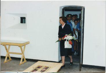 Majestățile Lor Regele Mihai și Regina Ana  vizitând Memorialul Sighet