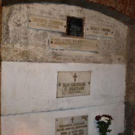 Ceremonie de depunere a urnei cu cenușa Mariei Brătianu la Florica, joi, 12 aprilie