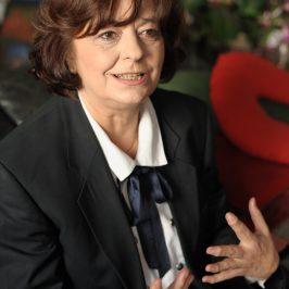 Ana Blandiana, ÎN EPICENTRULCENTENARULUI, discurs rostit la primirea titlului de Dr.H.C. al Universităţii din Alba Iulia